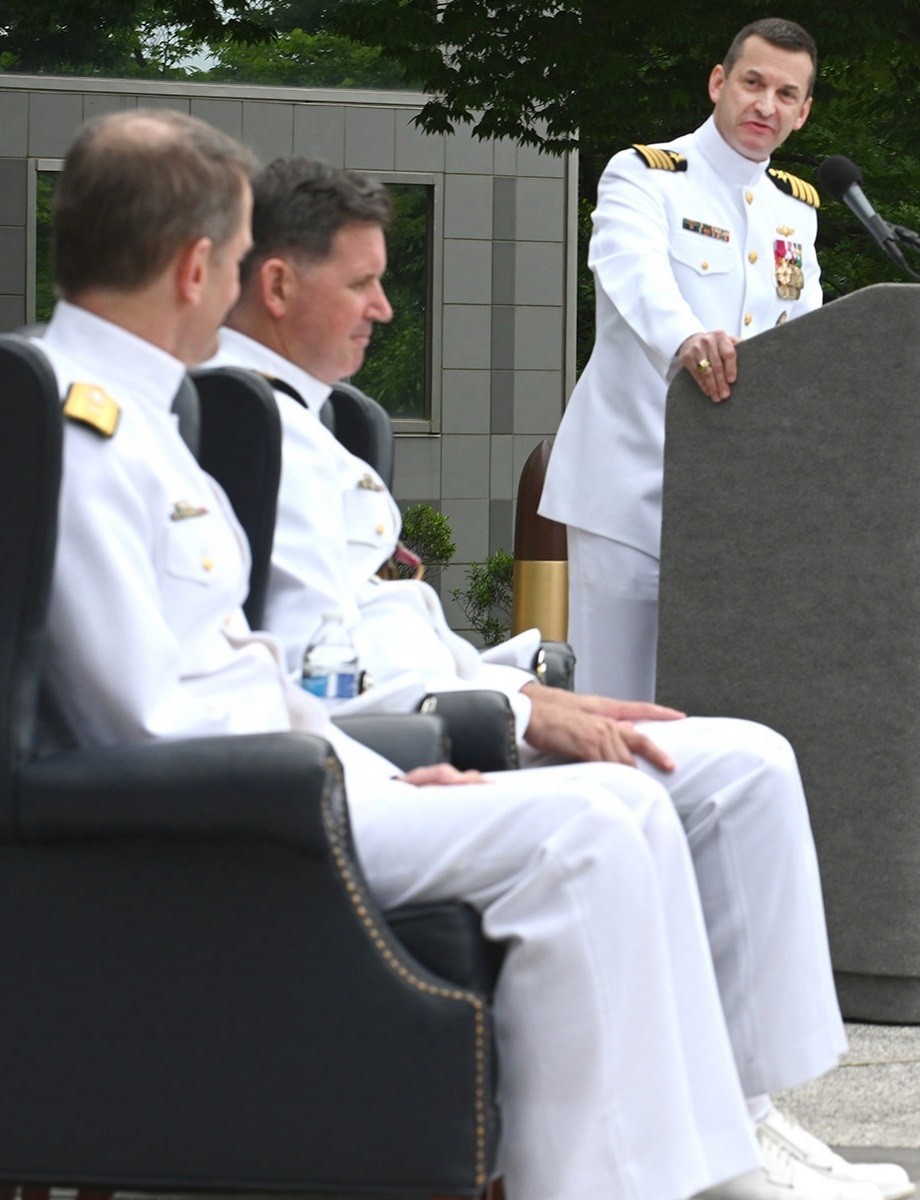 ONI celebrated its 137th anniversary recognizing 10 civilians and five Sailors with awards in an annual ceremony.